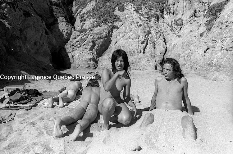 Plage nudiste, californie, 1970<br /> <br /> PHOTO : Alain Renaud - Agence Quebec presse