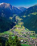 Oesterreich, Tirol, Zillertal, Blick ueber Mayrhofen und Finkenberg bis hinein ins Tuxertal | Austria, Tyrol, Ziller Valley, view across Mayrhofen and Finkenberg into Tuxer Valley
