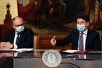 The Minister of Economy Roberto Gualtieri and the Italian Premier Giuseppe Conte wearing a face mask during the press conference after the Minister's cabinet.<br /> Rome (Italy), October 28th 2020<br /> Photo Pool Augusto Casasoli Insidefoto