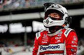 #30: Takuma Sato, Rahal Letterman Lanigan Racing Honda crew member