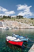 Castro Marina - Salento - Puglia - Porto di Castro Marina. Imbarcazioni attraccate nel porto.