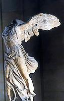 Greek Art:  Victoire de Samothrace.  Marble statue. Louvre.
