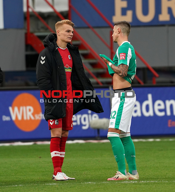 17.10.2020, Schwarzwald Stadion, Freiburg, GER, 1.FBL, SC Freiburg vs SV Werder Bremen<br /> <br /> im Bild / picture shows<br /> Philipp Lienhart (Freiburg), Marco Friedl (Bremen)<br /> <br /> Foto © nordphoto / Bratic<br /> <br /> DFL REGULATIONS PROHIBIT ANY USE OF PHOTOGRAPHS AS IMAGE SEQUENCES AND/OR QUASI-VIDEO.
