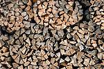 Germany, Bavaria, Upper Bavaria, Werdenfelser Land, Kruen - district Gerold: pile of firewood, close-up   Deutschland, Bayern, Oberbayern, Werdenfelser Land, Kruen - Ortsteil Gerold: Stapel Kaminholz, Detail