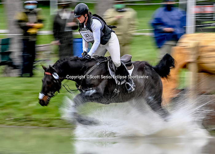 April 24, 2021: Ema Klugman competes in the Cross Country phase of the Land Rover 5* 3-Day Event aboard Bendigo at the Kentucky Horse Park in Lexington, Kentucky. Scott Serio/Eclipse Sportswire/CSM