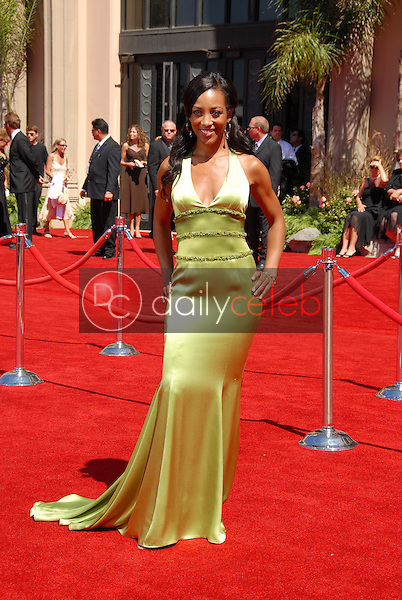 Shaun Robinson<br />arriving at the 58th Annual Primetime Emmy Awards. The Shrine Auditorium, Los Angeles, CA. 08-27-06<br />Scott Kirkland/DailyCeleb.com 818-249-4998