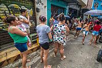 28/06/2020 - CESTAS BÁSICAS SÃO DISTRIBUIDAS NO RIO DE JANEIRO