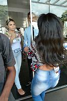 BRASÍLIA, DF, 05.11.2016 – ENEM-DF – Candidatos chegam atrasados para fazer a prova do Enem neste sábado, 05, na Universidade UPIS (União Pioneira de Integração Social) na Asa Sul e encontram os portões fechados. (Foto: Ricardo Botelho/Brazil Photo Press)
