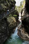 Deutschland, Bayern, Oberbayern, Berchtesgadener Land, Berchtesgaden: Almbachklamm   Germany, Bavaria, Upper Bavaria, Berchtesgadener Land, Berchtesgaden: gorge Almbachklamm