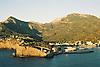 Puerto de Sóller bay with harbour and coastline<br /> <br /> Puerto de Sóller (cat.: Port Soller) bahía con puerto y costa<br /> <br /> Buch von Puerto de Sóller mit Hafen und Küste<br /> <br /> 1840 x 1232 px<br /> Original: 35 mm