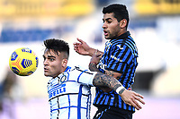 Lautaro Martinez of FC Internazionale and Cristian Romero of Atalanta BC compete for the ball during the Serie A football match between Atalanta BC and FC Internazionale at Gewiss stadium in Bergamo (Italy), November 8th, 2020. Photo Image Sport / Insidefoto