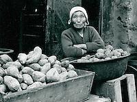 Marktfrau in Sunchon, Korea 1977