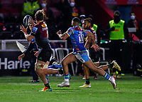 13th February 2021; Twickenham Stoop, London, England; English Premiership Rugby, Harlequins versus Leicester Tigers; Alex Dombrandt of Harlequins trying to pass inside after a clean break