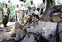 Irak 1985 Dans les zones libérées, région de Lolan, peshmergas se reposant    Iraq 1985  In liberated areas, Lolan district, peshmergas resting