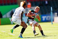 5th June 2021; Mattioli Woods Welford Road Stadium, Leicester, Midlands, England; Gallagher Premiership Rugby, Leicester Tigers versus Bristol Bears; Tommy Reffell of Leicester Tigers looks to beat Nathan Hughes of Bristol Bears