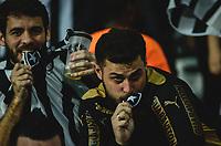 RIO DE JANEIRO, RJ, 26.07.2017 – BOTAFOGO-ATLÉTICO MG – Torcedor do Botafogo emocionado, após a classificação, durante o segundo confronto válido pela Copa do Brasil 2017, no estádio Nilton Santos, zona norte da cidade do Rio de Janeiro, na noite desta quarta-feira (26).(Foto: Jayson Braga/Brazil Photo Press)
