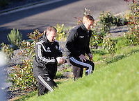 Pictured L-R: Kristian O'Leary with manager Garry Monk Wednesday 05 November 2014<br /> Re: Swansea City FC players training at Fairwood training ground, ahead of their Premier League game against Arsenal on Sunday.