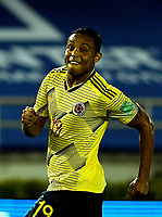 BARRANQUILLA – COLOMBIA, 09 –10-2020: Luis Muriel de Colombia (COL) celebra el segundo gol anotado a Venezuela (VEN), durante partido entre los seleccionados de Colombia (COL) y Venezuela (VEN), de la fecha 1 por la clasificatoria a la Copa Mundo FIFA Catar 2022, jugado en el estadio Metropolitano Roberto Melendez en Barranquilla. /  Luis Muriel of Colombia (COL) celebrates the second scored goal to Venezuela (VEN), during match between the teams of Colombia (COL) and Venezuela (VEN), of the 1st date for the FIFA World Cup Qatar 2022 Qualifier,  played at Metropolitan stadium Roberto Melendez in Barranquilla. / Photo: VizzorImage / Julian Medina FCF / Cont.