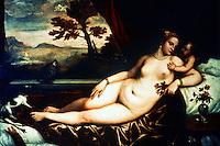 Renaissance Art:  Tiziano (1487/90-1576) --Lying Venus.  Galleria Uffizi.