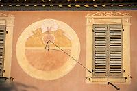 """Europe/Provence-Alpes-Côte d'Azur/83/Var/Bormes-les-Mimosas: Détail du cadran solaire du """"Café du Progrès"""""""