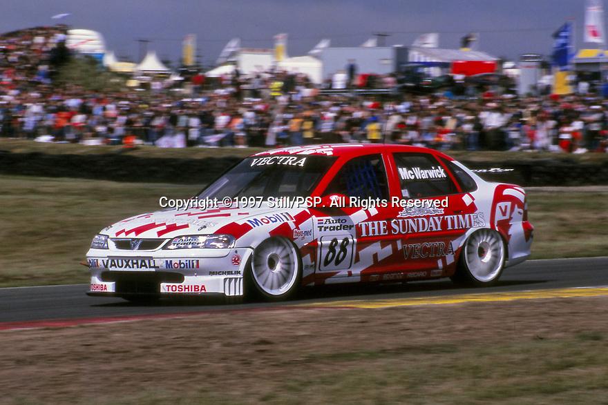 1997 British Touring Car Championship. #88 Derek Warwick (GBR). Vauxhall Sport. Vauxhall Vectra.