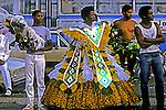 Concentração do carnaval. Rio de Janeiro. 1985. Foto de Juca Martins.