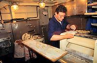 """- Italian Navy, the bakery on """"Euro""""  frigate....- Marina militare italiana, il forno per il pane a bordo della fregata """"Euro"""""""