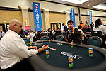 Andreas Flakstad finds himself as the only one at his table at the beginning of play on Day 1B.