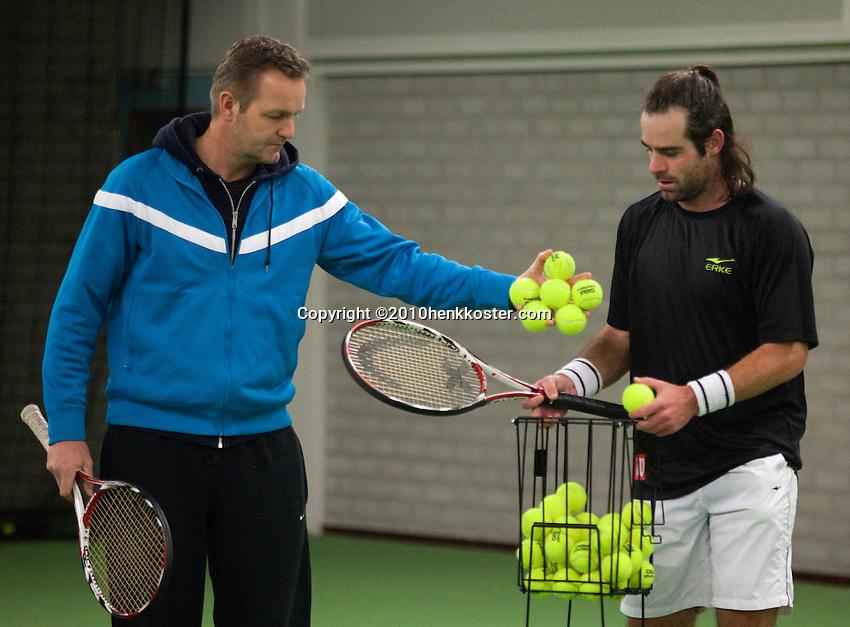 15-1-10, Tennis, Rotterdam, Raemon Sluiter met zijn coach Tjerk Bogtstra(L)