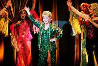 Prod DB ©†Spyglass Entertainment / DR<br /> CONNIE ET CARLA (CONNIE AND CARLA) de Michael Lembeck 2004 USA<br /> avec Debbie Reynolds<br /> autres titres:<br /> Connie and Carla do L.A.