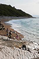Europe/France/Aquitaine/64/Pyrénées-Atlantiques/Pays-Basque/Guéthary:Les roches de la plage de Guéthary, appelées flysch calcaires à silex