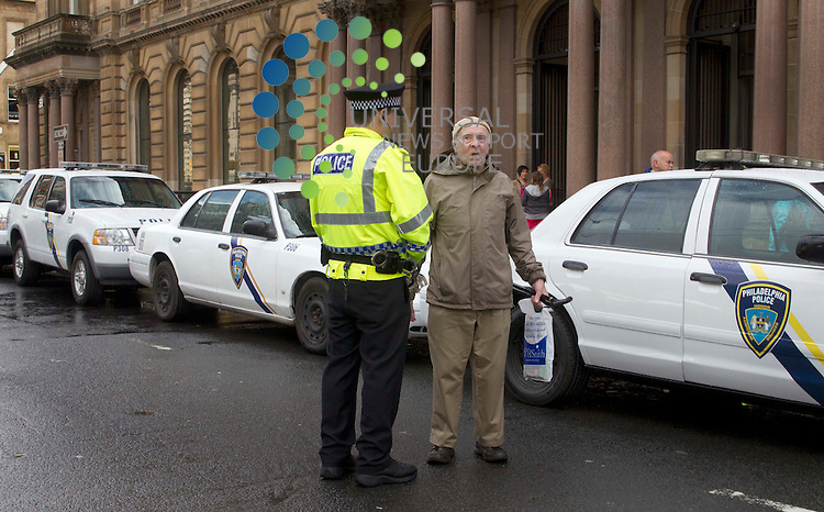 War Z Film film set in Glasgow as Strathclyde police officer looks at the american police cars parked in Glasgow's George Square as filming starts on the Brat Pitts new film..Picture: Universal News And Sport (Scotland). 16 August 2011. www.unpixs.com..