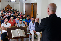 LEBANON, Beirut, church for christian iraqi refugees, holy mass / LIBANON, Beirut, christliche Kirche fuer irakische Fluechtlinge in einem Wohnhaus, Messe