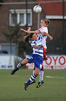 AA Gent Ladies - FC Utrecht :<br /> kopduel tussen Myrthe Moorrees (R) en Jassina Blom (L)<br /> foto VDB / BART VANDENBROUCKE