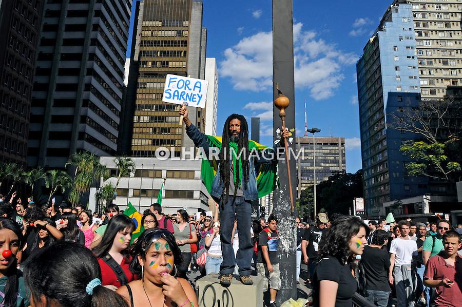 Manifestação Fora Sarney na Avenida Paulista. São Paulo. 2009. Foto de Juca Martins.