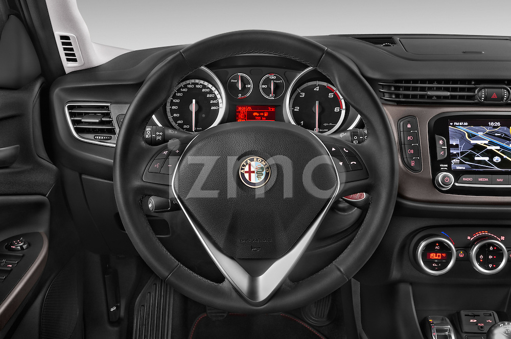 Car pictures of steering wheel view of a 2015 Alfa Romeo Giulietta Distictive 5 Door SUV