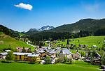 Austria, Salzburger Land, Tennengau, Russbach am Pass Gschuett with parish church | Oesterreich, Salzburger Land, Tennengau, Russbach am Pass Gschuett: Wanderdorf mit Pfarrkirche hl. Kreuz