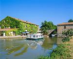 France, Languedoc-Roussillon, Département Aude, Le Somail: village at he Canal Du Midi | Frankreich, Languedoc-Roussillon, Département Aude, Le Somail: Dorf am Canal Du Midi