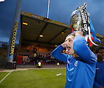 Danny Stoney with the Glasgow Cup for headgear