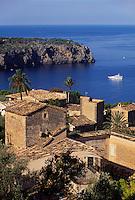 Spanien, Mallorca, Blick auf das Dorf Lluc Alcari