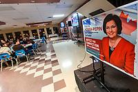 Fatima Houda-Pepin et gaetan Barrette durant la campagne electorale, le 7 avril 2014<br /> <br /> PHOTO : Agence Quebec Presse