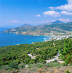 Greece, Attica, Saronic Islands Aegina, Agia Marina: Resort and main tourist spot on the island | Griechenland, Attika, Saronische Inseln Aegina, Agia Marina: touristisches Zentrum der Insel
