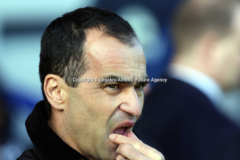 Pictured: Everton manager Roberto Martinez. Sunday 16 February 2014<br /> Re: FA Cup, Everton v Swansea City FC at Goodison Park, Liverpool, UK.
