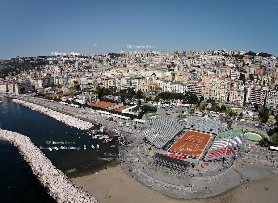 - NAPOLI 29 MAR  2014 -  Lungomare Caracciolo,   l'Arena del tennis, che ospiterà Italia-Gran Bretagna di Coppa Davis, dal 4 al 6 aprile.