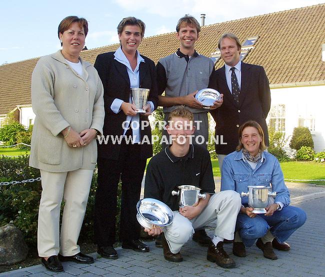 Groesbeek, 150901<br />Winnaars van het Telegraaf/Dunhill golf toernooi.<br />Foto: Sjef Prins / APA Foto