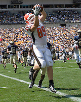 Bowling Green tight end Jimmy Scheidler makes a five-yard touchdown catch.  The Bowling Green Falcons defeated the Pitt Panthers 27-17 on August 30, 2008 at Heinz Field, Pittsburgh, Pennsylvania.