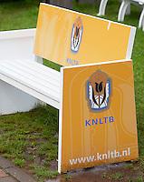 28-08-11, Tennis, Amstelveen, NVK, Nederlandse Veteranen Kampioenschappen, KNLTB bankje