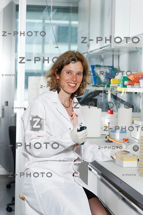 Portrait von Dr. Irene Schiller von der ETH-Spin-off Firma Malcisbo, im Hauptsitz an der ETH Zuerich an der Wolfgang-Pauli-Strasse 10 am 25. Mai 2011..Copyright © Zvonimir Pisonic