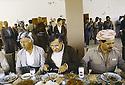 Irak 1991   Réunion du front du Kurdistan a Shaklawa, déjeuner avec Aziz Mohamed, Jalal Talabani et Massoud Barzani    Iraq 1991   Meeting of the Kurdish front in Shaklawa, lunch with Aziz Mohamed, Jalal Talabani and Masoud Barzani