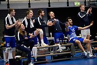 27-03-2021: Volleybal: Amysoft Lycurgus v Draisma Dynamo: Groningen de Lycurgus bank viert een punt